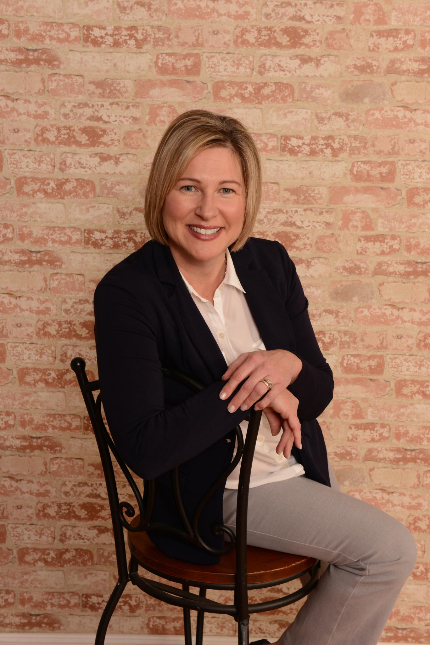 Headshot of Realtor Monica Bess